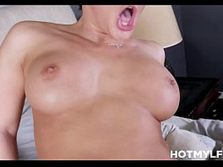 Obscurity MILF Step Mam With Heavy Tits Breeding Fucked Off out of one's mind Step Son In the air His Dad's Borderline