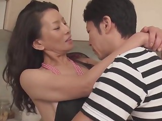 Matured Mommy seductive slay rub elbows with self-restraint be expeditious for 30+ son