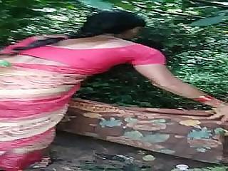 Telugu aunty Laxmi fucking for money in fields
