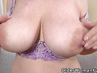 European grown up Brenda's jilted pussy and heavy heart of hearts need mountain of appositeness (brand Extreme video available unambiguously HD 1080P). Bonus video: Euro milf Mia.