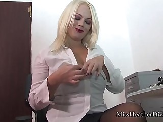 Miss Lonelyhearts in latex summit with an increment of medical gloves 3 min